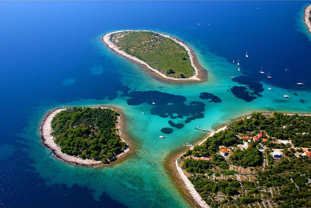 Blue Lagoon Krknjasi near Trogir and Split daily tour from Split