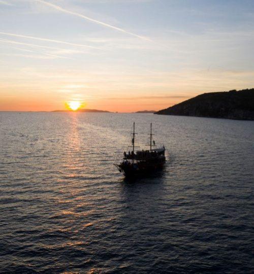 panoramic-sunset-tour-korsaro-boat-tour-1