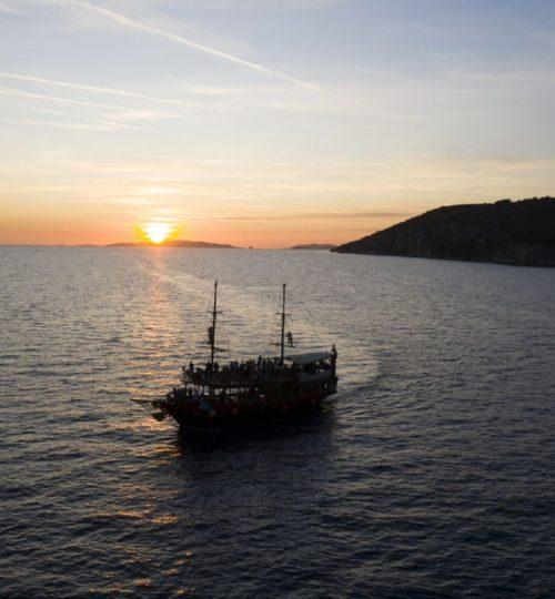 panoramic-sunset-tour-korsaro-boat-tour-6